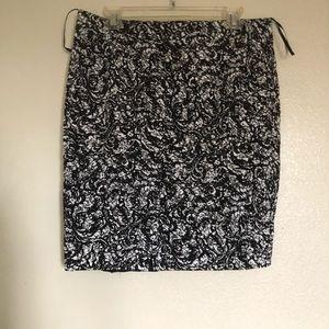 Romy Black and White Skirt Size L